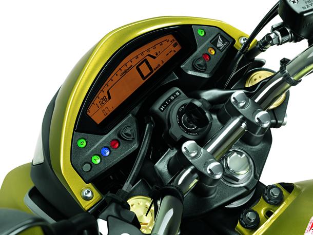 painel Com visual renovado, Honda CB 600F Hornet 2012 chega este mês por R$ 30 800