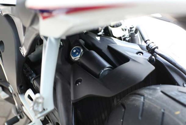 2012 honda cbr1000rr leak 10 Vídeo e fotos revelam a Honda CBR 1000 RR Fireblade 2012