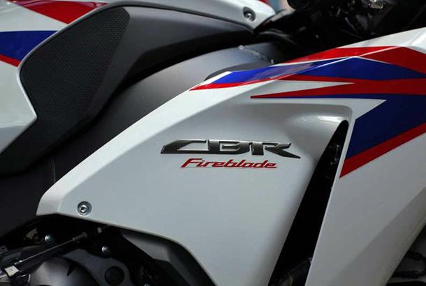 2012 honda cbr1000rr leak 17 Vídeo e fotos revelam a Honda CBR 1000 RR Fireblade 2012