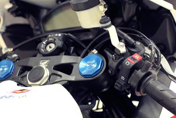 2012 honda cbr1000rr leak 21 Vídeo e fotos revelam a Honda CBR 1000 RR Fireblade 2012