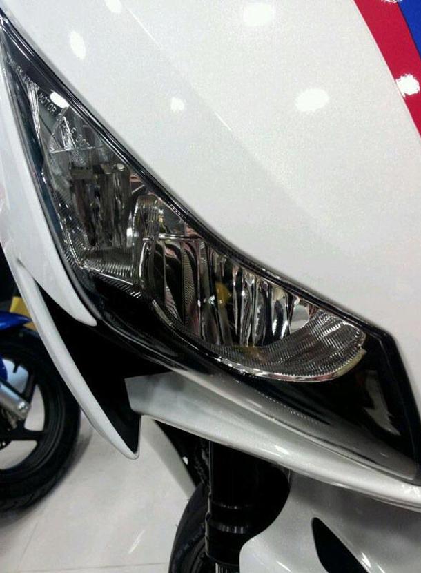 2012 honda cbr1000rr leak 29 Vídeo e fotos revelam a Honda CBR 1000 RR Fireblade 2012