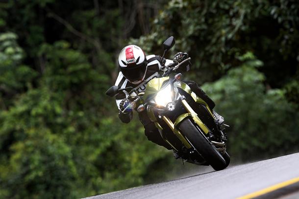 C45F8393 c Impressões: Honda CB 1000R   A gigante se mexeu, e quer seu espaço na categoria