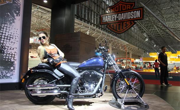 harley davidson traz muitas novidades na linha 2012 not cias sobre motos motovelocidade. Black Bedroom Furniture Sets. Home Design Ideas