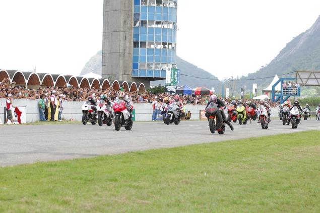 Moto light 1 Alan Douglas e Dudu Rush. Campeões na Moto 1000 GP 2011