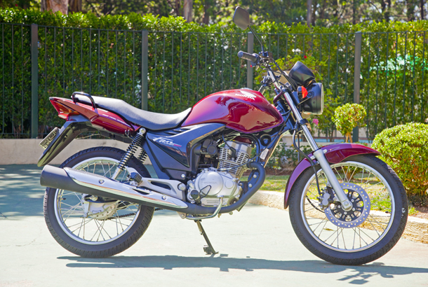 16 Honda CG 150 Fan, a mais vendida do Brasil estreia em nosso teste do mês