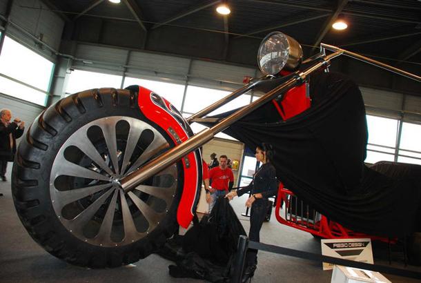 regio design al motor bike expo 2012 6 Salão de Verona apresenta a maior moto do mundo!