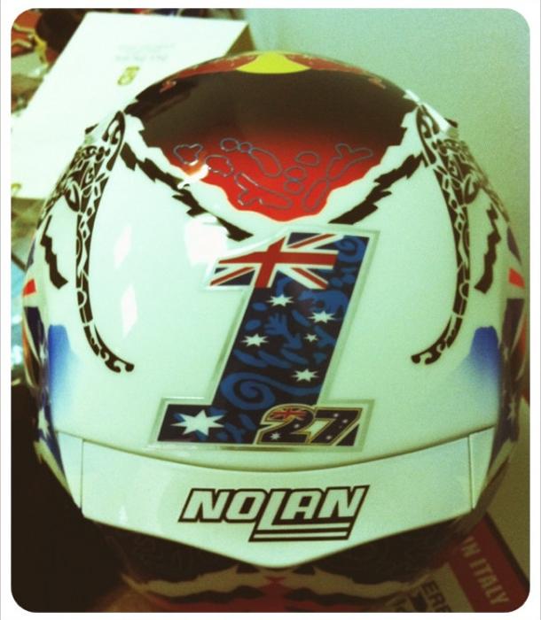 capacete1 Casey Stoner divulga fotos de seu novo capacete pelo Twitter