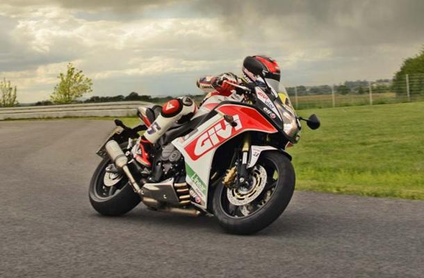 caetinho Alemães poderão comprar moto de corrida da Honda